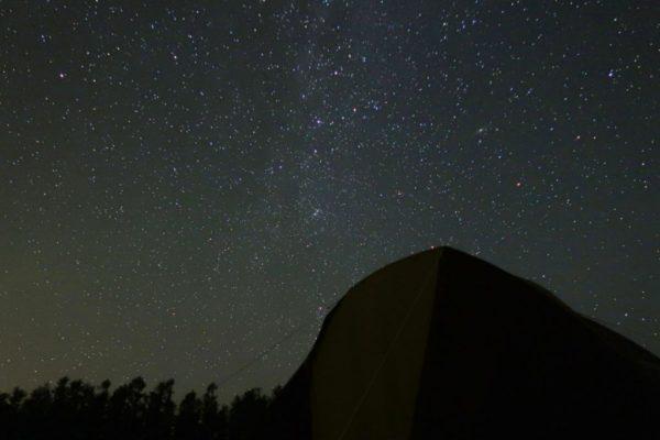 キャンプサイトからみた星空