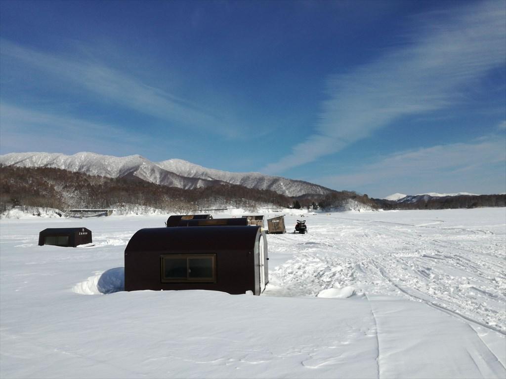 桧原湖の積雪