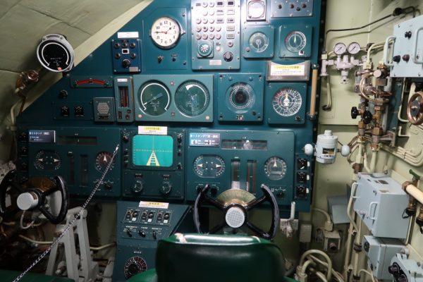 潜水艦あきしお操舵室
