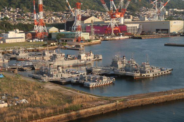 海上自衛隊タグボート