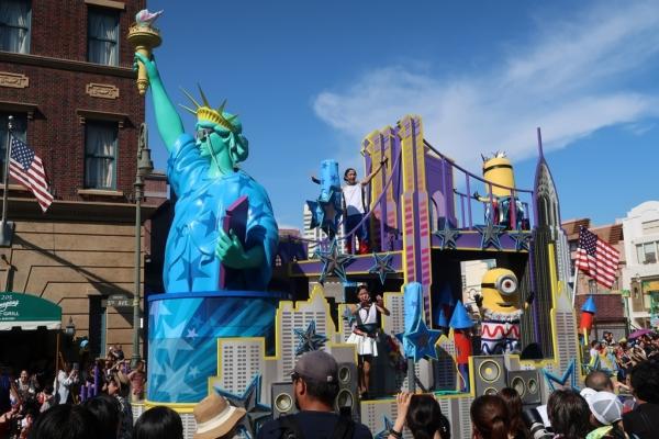 ウォーター・サプライズ・パレード。