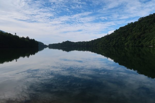 朝の湯ノ湖