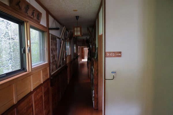 小林館 廊下