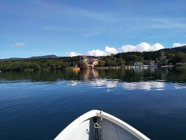 凪の芦ノ湖ワカサギ釣り