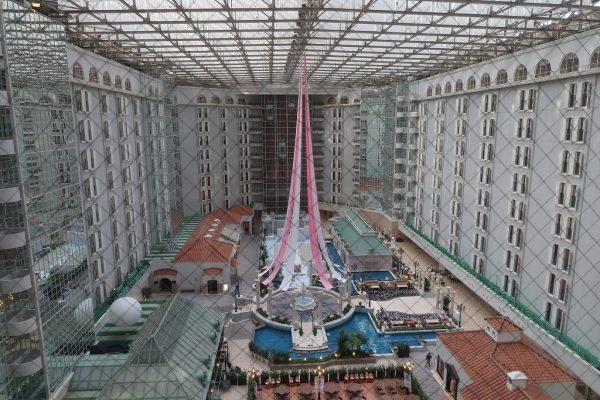 東京ベイ舞浜ホテル クラブリゾートの吹き抜け